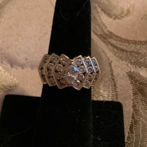 14K 2.00CTW YG Marquise/Round Diamond Ring.